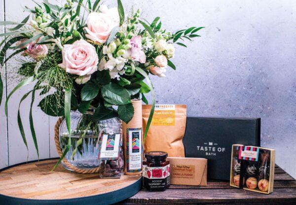 Medium Hamper - Flowers of Bath - Taste of Bath - Heart Full of Tea