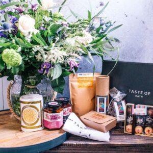 Large Hamper - Flowers of Bath - Taste of Bath - Heart Full of Tea